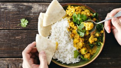 Chicken-curry-and-naan-msYGpS