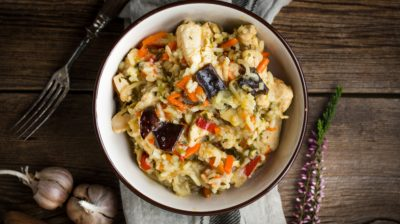 Chicken-risotto-in-a-bowl-ZoyXCl