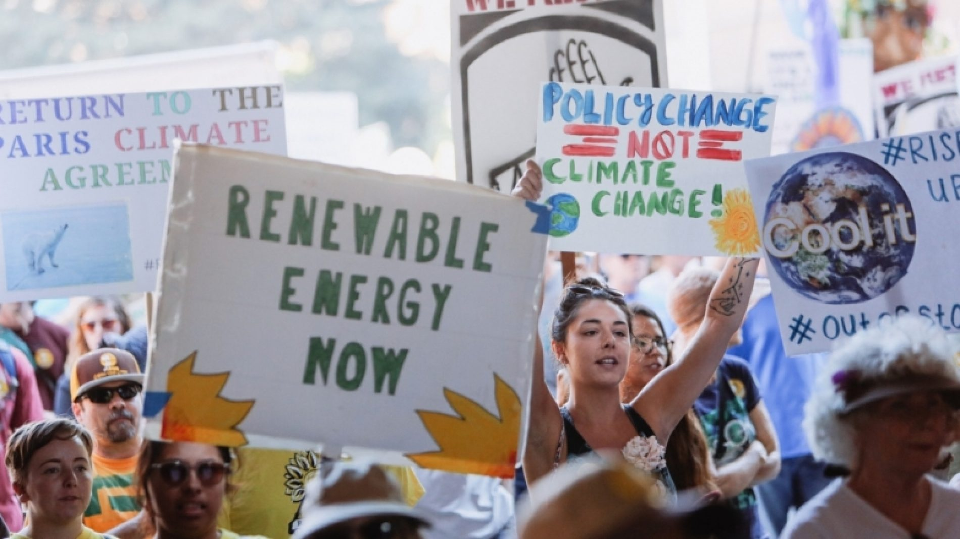 Climate-change-protest-Oyemf9