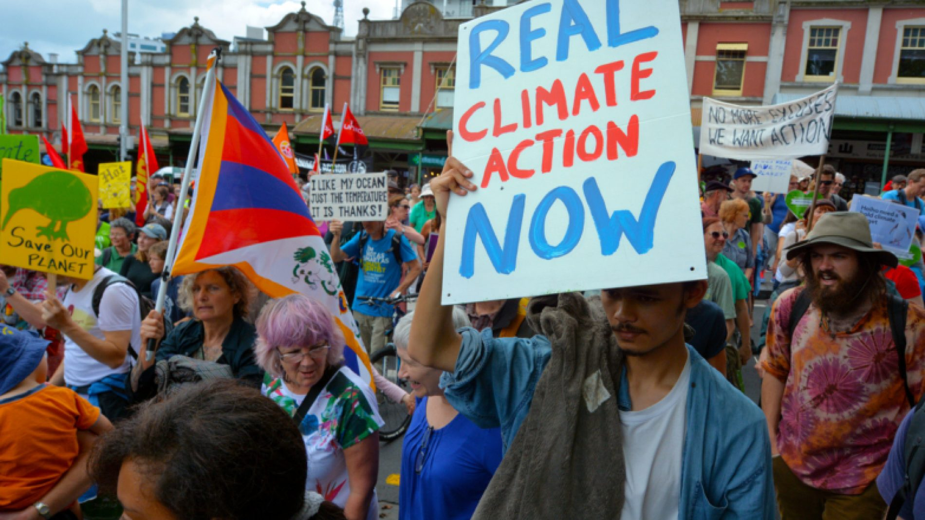 Climate-march-UG1bhv
