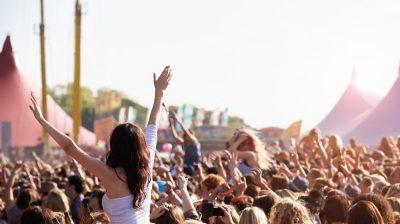 FestivalMusicCrowd_184911035
