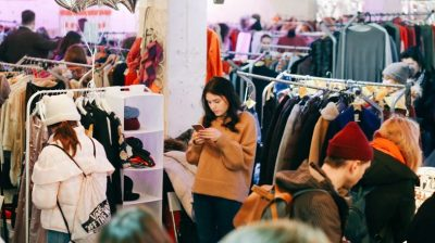 How we can avoid buying fast fashion