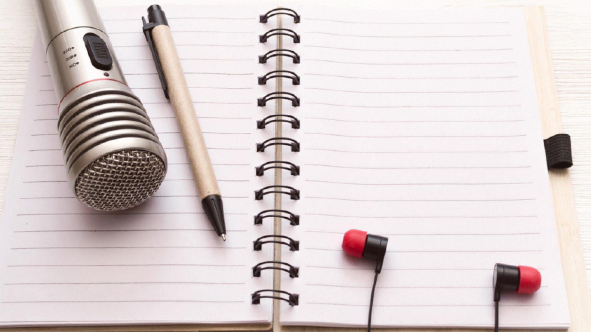 Making-a-podcast-PFMq4X