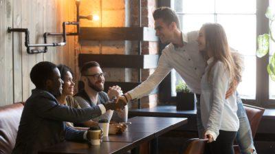 Making-new-friends-in-a-cafe-zhKiHk