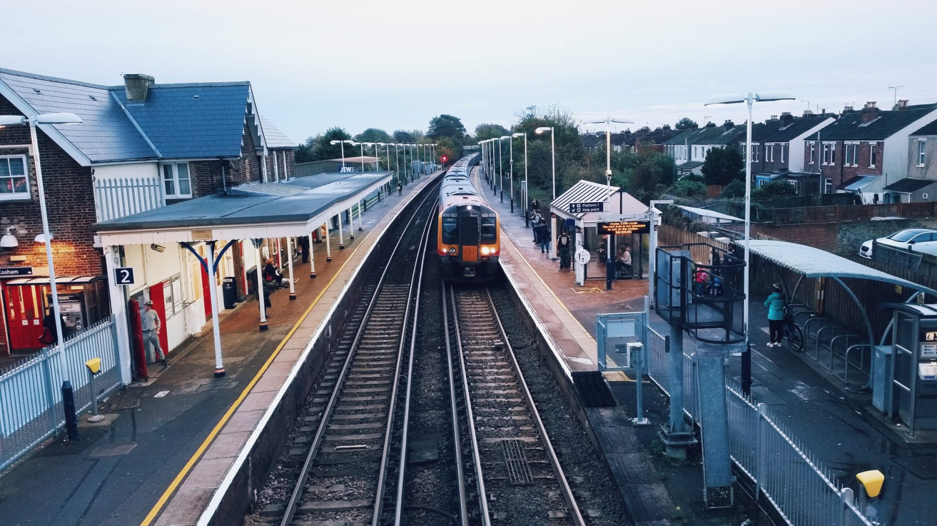 Train-pulling-into-a-station