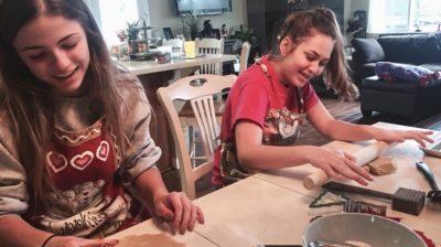 Two-sisters-baking-at-home-Rpod3x
