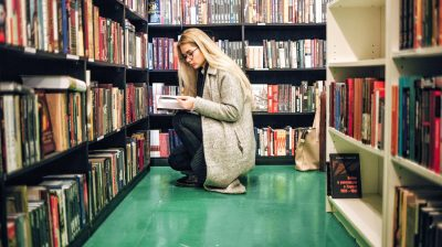 Young-person-studying-in-college-library
