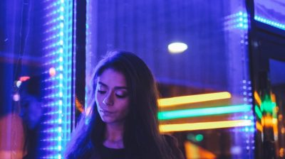 Young-person-with-bright-lights-behind-them-h57b0k