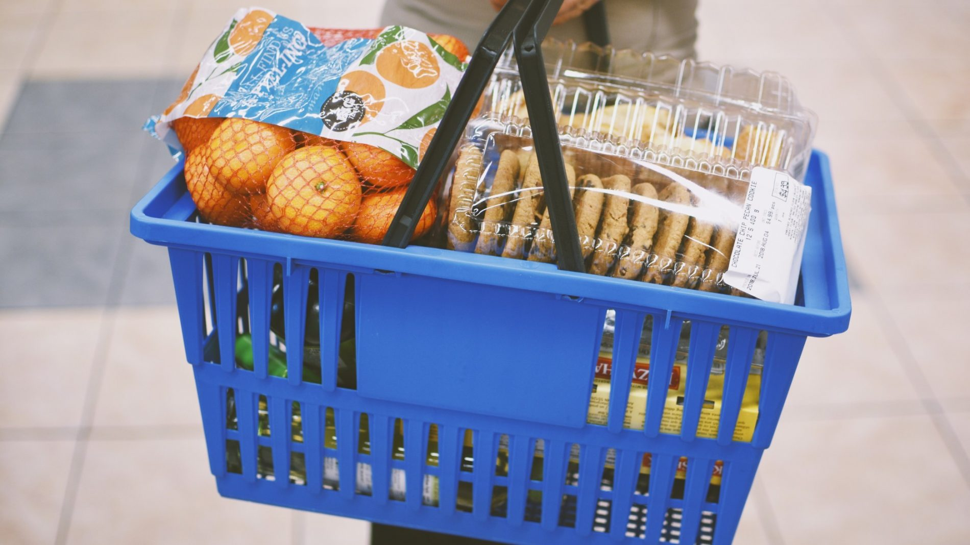 grocery-shopping-with-a-basket-full-of-goodies_t20_EnNleK