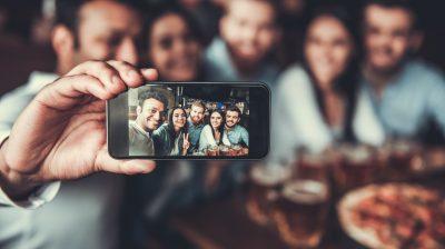 Friends makes selfie