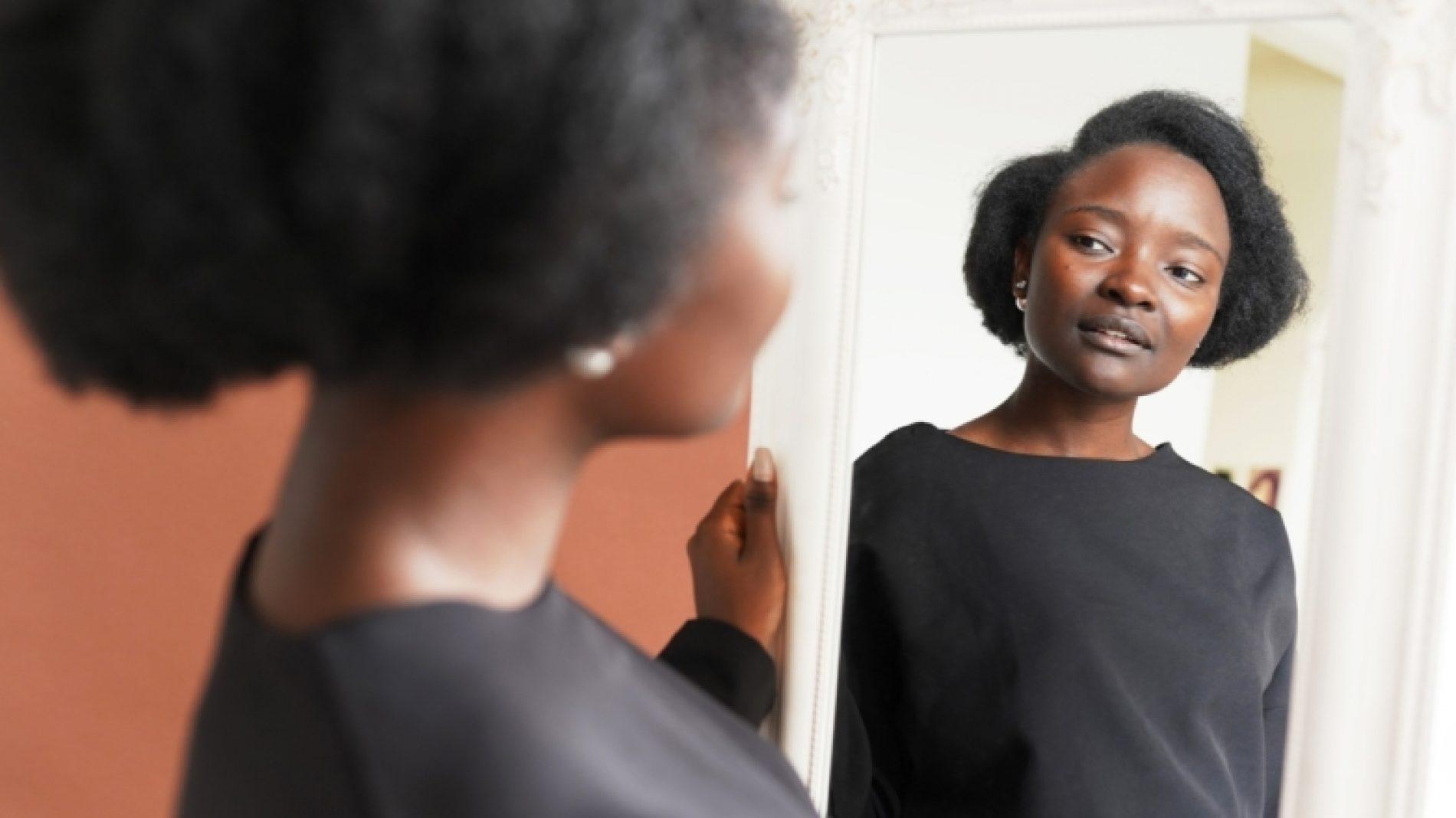 mirror-woman-african-dark-skinned-people-lifestyle-lifestyles-enjoyment-reflection-candid-beautiful_t20_ZYA8Pb-1-zvHCUt