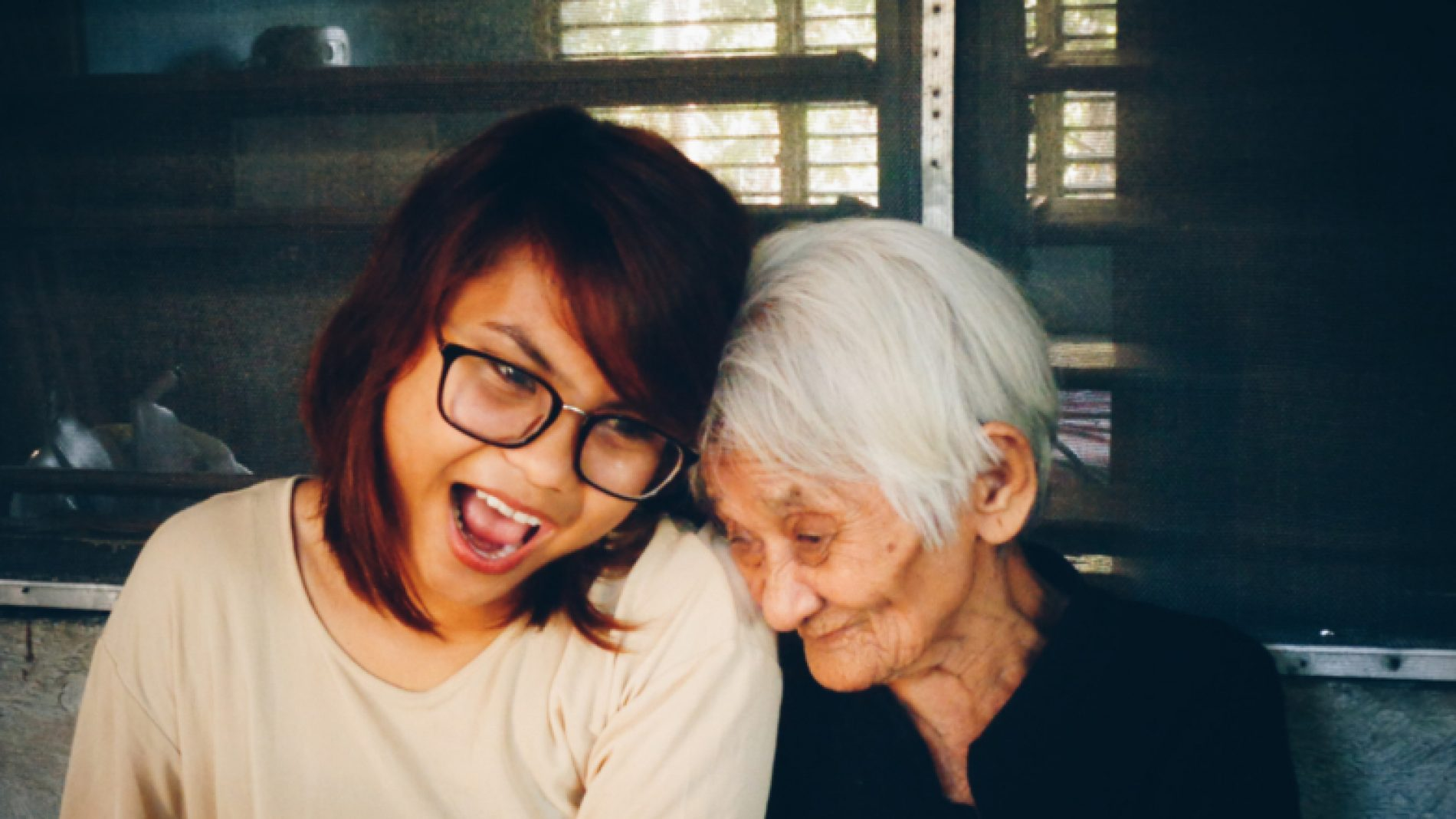 people-women-old-happiness-smiling-smile-smile-young-candid-grandmother-laughter-bff_t20_VoEdnl-sFCH6V