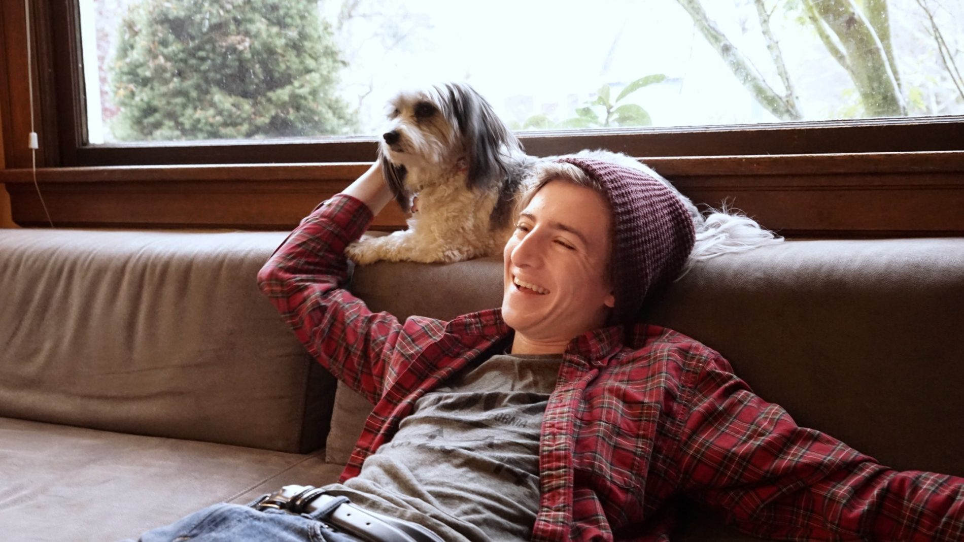 teen-boy-with-the-dog_t20_ZVZYab