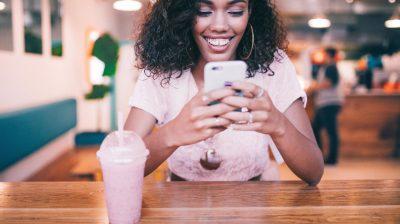 women-message-girl-smile-smoothie-phone-smart-phone-happy-milkshake-typing_t20_e8lorb