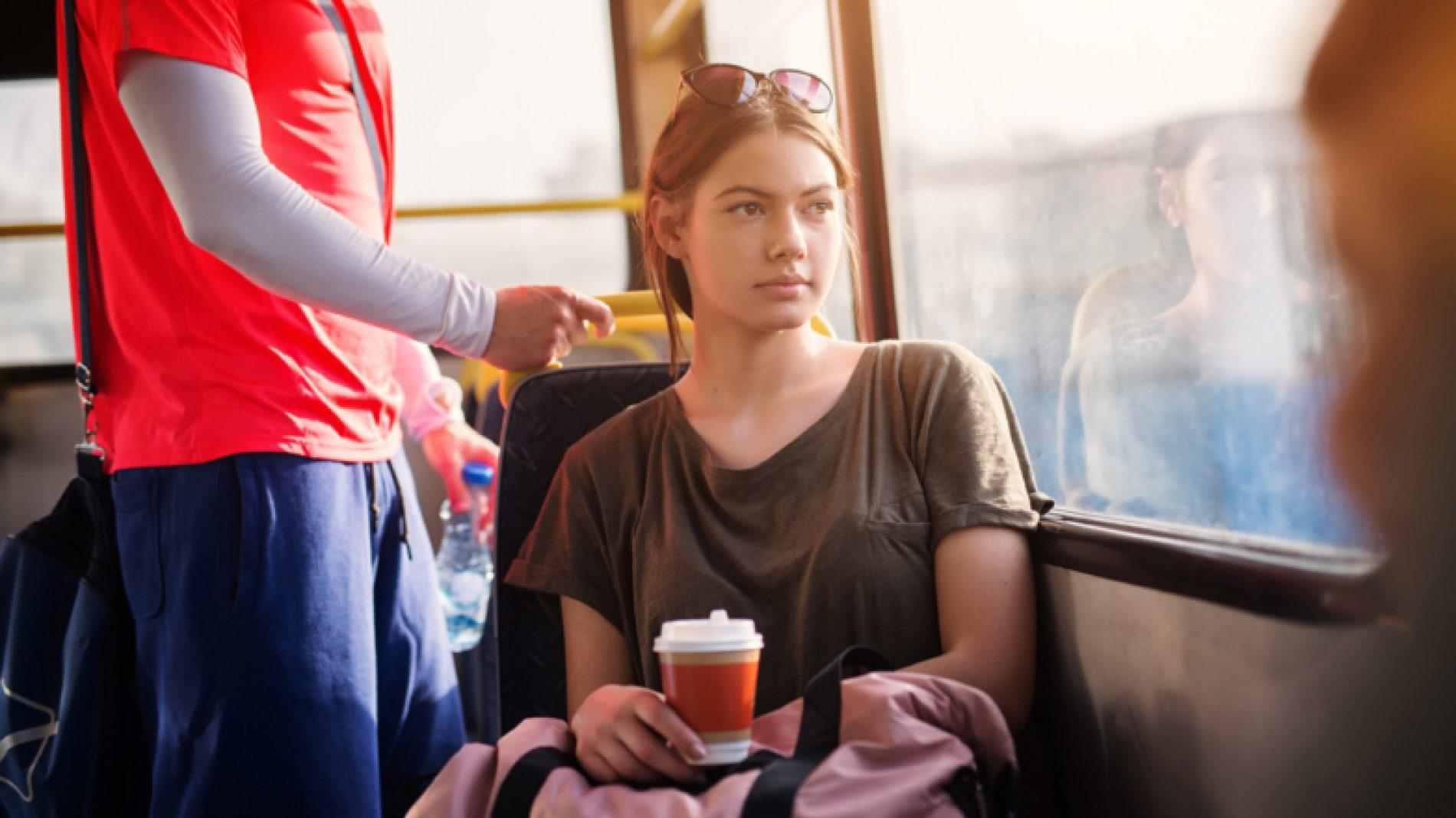young-woman-commuting-OSENpk